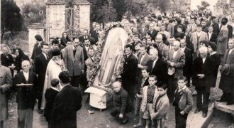 Περιφορά ιεράς εικόνας Αγίου Χαραλάμπους