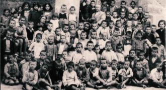 Τμήμα τάξης Μεικτού 1939. Πολλά πρόσωπα δεν είναι εν ζωή. Κάποιοι έχουν αναγνωρισθεί
