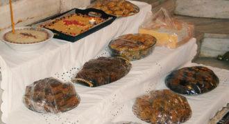 Νηστίσιμα γλυκά απο τις νοικοκυρές στην εικόνα των Αγίων Θεοδώρων